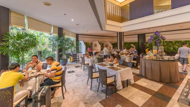 Royal Cliff Hotels Group Dining Room Buffet Pantip : eatigoLaBrasseriePantipSuites201608241408480388 from tolkienacrossthewater.com size 640 x 360 jpeg 46kB
